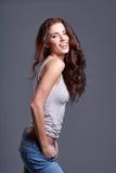 Retrato da mulher com cabelo marrom longo da beleza Imagens de Stock