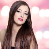 Retrato da mulher com cabelo reto longo Fotografia de Stock Royalty Free