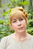 Retrato da mulher com cabelo vermelho Imagem de Stock