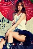 Retrato da mulher com parasol fotografia de stock