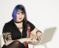 Retrato da mulher com portátil. Imagem de Stock Royalty Free