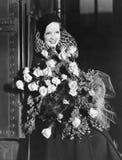 Retrato da mulher com ramalhete enorme (todas as pessoas descritas não são umas vivas mais longo e nenhuma propriedade existe Gar Imagem de Stock Royalty Free