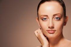 Retrato da mulher confiável lindo Fotos de Stock Royalty Free