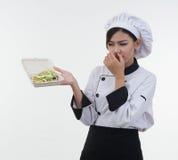 Retrato da mulher da clave de Ásia com alimento mau no fundo branco Imagens de Stock Royalty Free