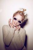 Retrato da mulher da forma Cabelo da hippie dos óculos de sol Imagem de Stock Royalty Free