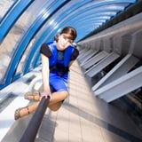 Retrato da mulher de negócio de sorriso Fotografia de Stock Royalty Free