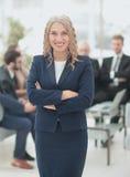 Retrato da mulher de negócio de sorriso feliz Imagem de Stock Royalty Free