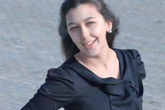 Retrato da mulher de negócio moderna na rua Foto de Stock