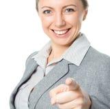 Retrato da mulher de negócio nova que aponta o dedo no visor Imagens de Stock