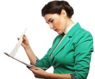 Retrato da mulher de negócios da escrita Imagens de Stock Royalty Free
