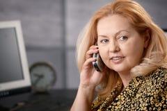Retrato da mulher de negócios sênior foto de stock royalty free