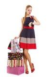 Retrato da mulher de sorriso feliz nova com sacos de compras fotos de stock