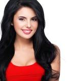 Retrato da mulher de sorriso nova com cabelo marrom longo. Imagens de Stock Royalty Free