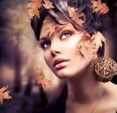 Retrato da mulher do outono Fotos de Stock