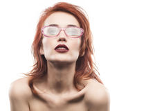 Retrato da mulher dos vidros do Eyewear isolado no branco Foto de Stock Royalty Free