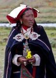 Retrato da mulher nepalesa na roupa nacional Fotografia de Stock