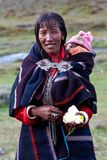 Retrato da mulher nepalesa na roupa nacional Foto de Stock