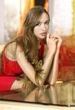 Retrato da mulher no salão do hotel Fotografia de Stock