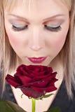Retrato da mulher nova com composição creativa Fotos de Stock Royalty Free