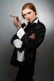 Retrato da mulher nova com um charuto Fotos de Stock