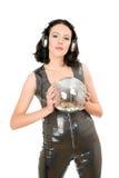 Retrato da mulher nova com uma esfera do espelho Imagem de Stock Royalty Free
