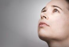 Retrato da mulher nova no projecto Fotos de Stock Royalty Free