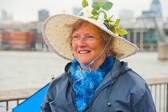 Retrato da mulher que comemora o jubileu de prata fotografia de stock royalty free