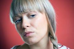 Retrato da mulher que olha afastado fotografia de stock