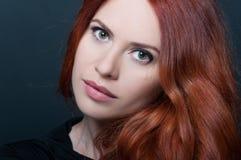 Retrato da mulher 'sexy' bonita nova imagens de stock royalty free