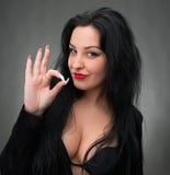 Retrato da mulher 'sexy' no vestido preto Imagens de Stock Royalty Free