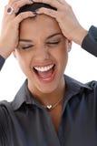 Retrato da mulher shouting Fotos de Stock