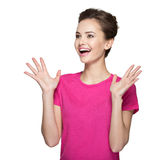 Retrato da mulher surpreendida com emoções positivas Fotos de Stock Royalty Free