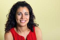 Retrato da mulher triguenha com olhos verdes Imagens de Stock Royalty Free