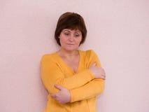 Retrato da mulher triste madura atrativa foto de stock