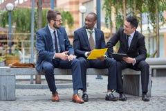 Retrato da multi equipe étnica do negócio Imagem de Stock Royalty Free