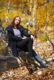 Retrato da queda de uma mulher bonita Imagens de Stock Royalty Free