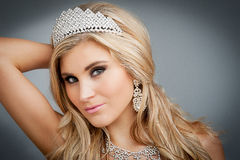 Retrato da rainha da beleza. imagens de stock royalty free