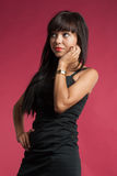 Retrato da vista surpreendida jovem mulher acima Fotografia de Stock