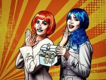 Retrato das jovens mulheres no estilo cômico da composição do pop art em amarelo - fundo alaranjado dos desenhos animados ilustração stock