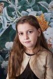 Retrato de 8 años de la muchacha en estudio Foto de archivo libre de regalías