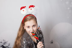 Retrato de 10 años de la Navidad de la muchacha Fotografía de archivo libre de regalías