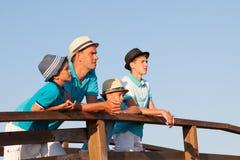 Retrato de adolescente serio con el sombrero el vacaciones Fotos de archivo libres de regalías