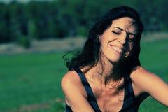 Retrato de 35 anos bonitos da mulher adulta Fotografia de Stock Royalty Free