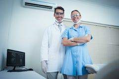 Retrato de dentistas de sorriso fotos de stock