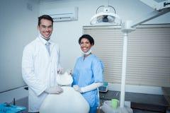 Retrato de dentistas sonrientes Imágenes de archivo libres de regalías