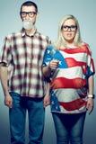 Retrato de dois modernos que têm o divertimento foto de stock