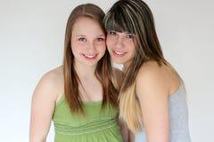 Retrato de dos muchachas adolescentes Imagenes de archivo