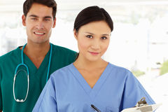 Retrato de doutores novos foto de stock royalty free