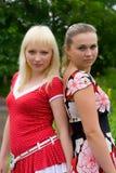 Retrato de duas amigas imagens de stock