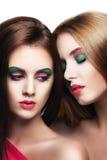 Retrato de duas meninas bonitas novas da sensualidade Imagens de Stock Royalty Free